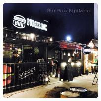 Ploen Ruedee Night Market