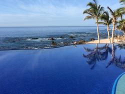 Beautiful hotel, wonderful staff and amazing service!