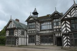 ‪Wythenshawe Hall‬