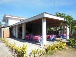Mr. Kwiiz Resort
