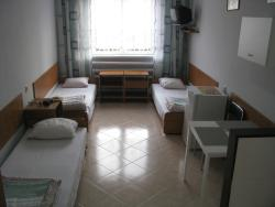 3-beds room, with shared bathroom