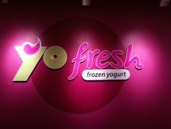 YoFresh Yogurt Cafe Oak Creek