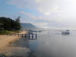 Ham Ninh Pier