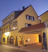 Cleo's Hotel & Cafe