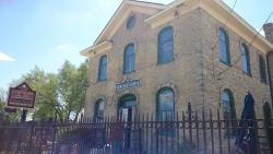 Landmark 1850 Inn