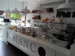 BIANCO Cafe & Bakery