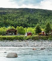 Salmon Hole Lodge