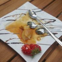 La Cantine Cafe & Bistro