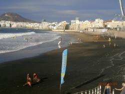 playa de Las Canteras muy cerca del hotel
