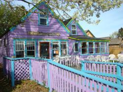 Ella's Island Cafe
