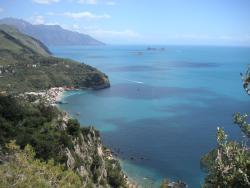 Blick über die Bucht oberhalb des Campingplatzes