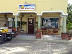 Island Buzz Cafe & Grill