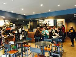 Starbucks Alexis Nihon
