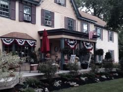 Pineapple Hill Inn Bed & Breakfast