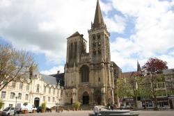 Cathedrale Saint Pierre Lieieux