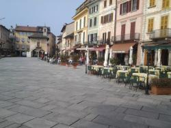 La Piazzetta Snc Di Tommaso Fortina E C