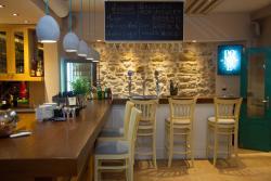Ponte Cafe Bistro