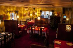 The Banyan Tree & Swan Cafe