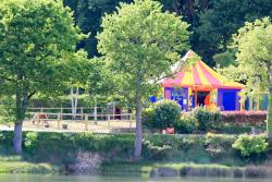 chateau-camping-lac-carnac
