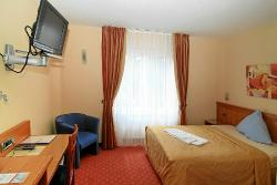 Hotel Axion