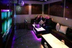 Stone Lounge