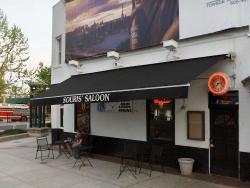 Souris' Saloon