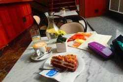 Cosmopolis Cafe