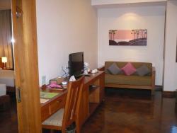 Thingaha Hotel