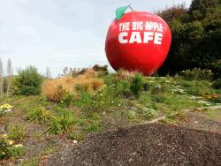 ‪The Big Apple Cafe Restaurant & Fruit Orchards‬