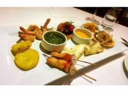 Grilled seafood catamaran platter... mmmmmm!