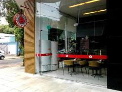 Petit Doce & Cafe