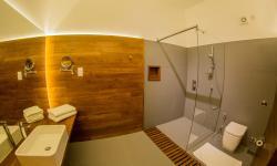 Ocean View Deluxe Room Bathroom