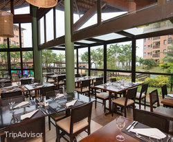 Main Restaurant at Golden Tulip Angra dos Reis