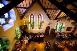 Sol y Sombra Tapas Bar & Restaurant