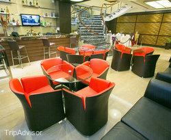 Lobby Lounge at the Ramada Manila Central