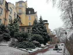 Royal Lazensky Hotel