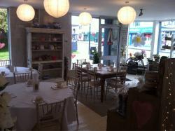 Small Touches & WooHoo Vinatge Tearoom