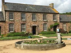 Samares Manor Self Catering