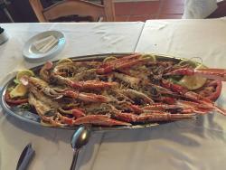 Cocina casera y calidad excelente! La situación del Restaurante no puede estar en mejor sitio...