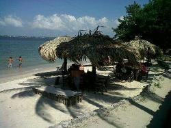 uanyana beach club
