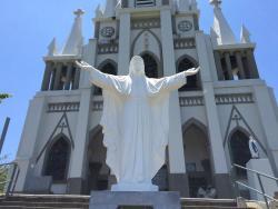 入口にあるキリスト像