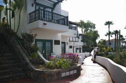 Vista exterior de jardines y habitaciones del hotel