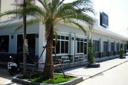 Pleng-Wan Pub and Restaurant