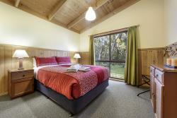 3 BR Villa master bedroom