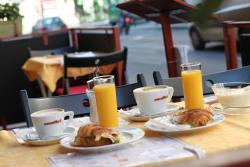 Darjeeling Teahouse & Cafe
