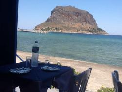 Great food, service and view. Wonderful!!