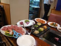 Grilled Beef Hakuundai Tsuruhashi Eki-Mae