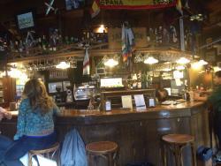 Fiestas y diferentes instantáneas de Airport Tavern