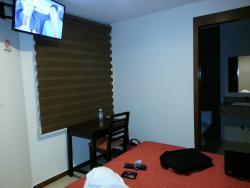 habitacion simple tv con cable