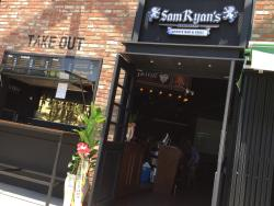 Sam Ryan's Sports Bar & Grill